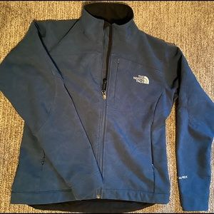Women's North Face jacket- like new! Cute design!
